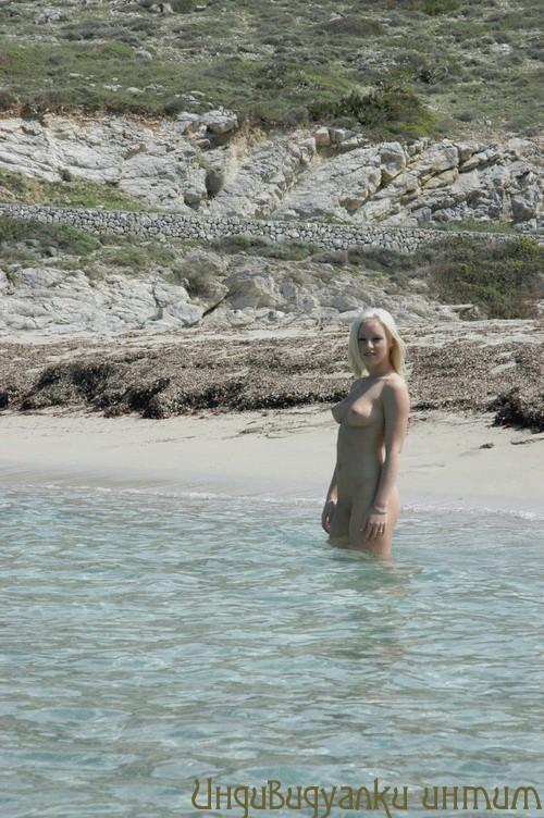Яриночка ВИП мастурбация члена грудью